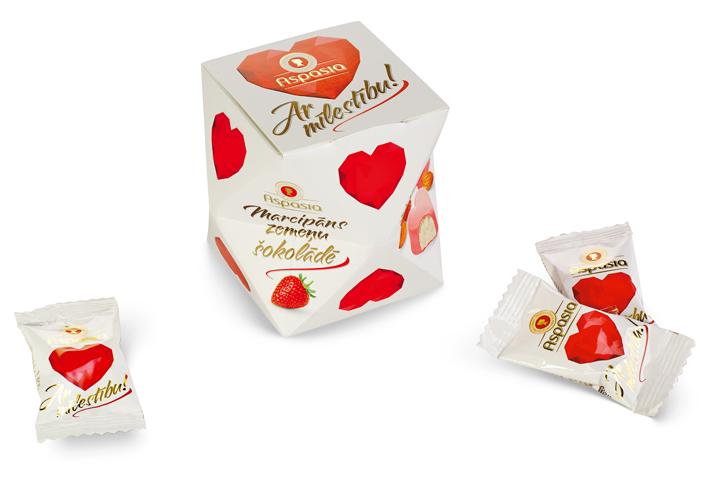 """Марципан в клубничном шоколаде """"С любовью!"""""""