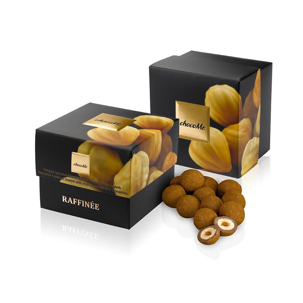 Конфеты chocoMe Raffinee - Пьемонтский орех в молочном шоколаде с корицей