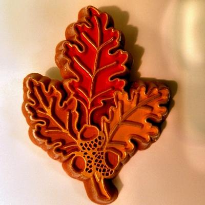 Leaf & Acorns