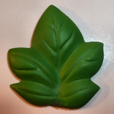 Ivy Leaf - Medium