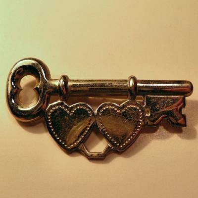 1 Key for 2 Hearts