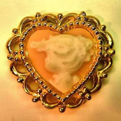 Heart Cameo in Setting
