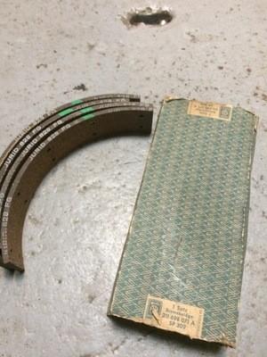 Early type 2 bus rear brake pads nos