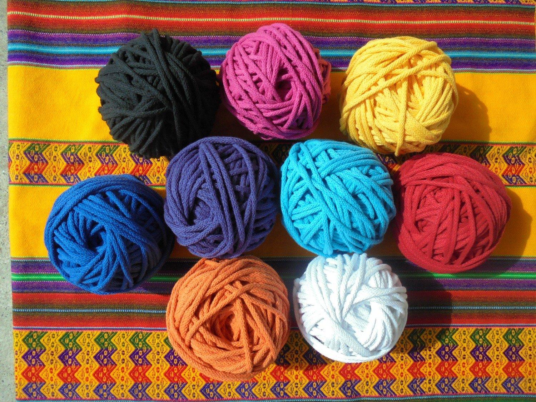 J3) Baumwollschnüre in versch. Farben 50m Bündel