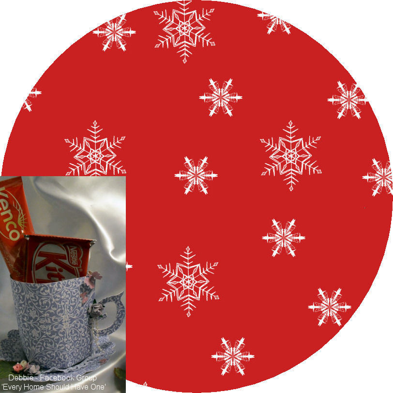 Christmas Snowflakes Mug and Saucer Set (red option)