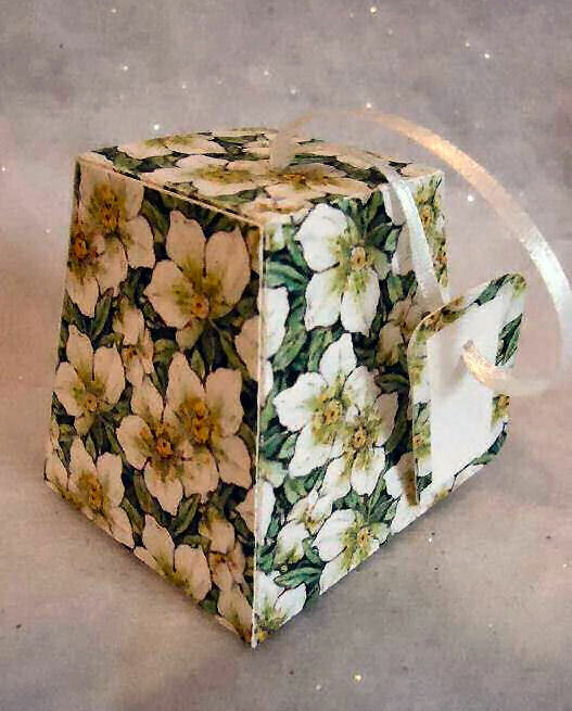 Christmas Rose Christmas Treat Box  Print N cut  for Cameo