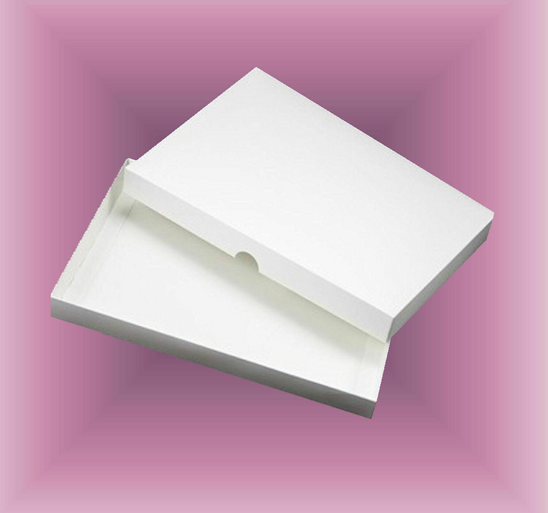 Card / Invitation Box to fit 7 x 5 x  0.5 inches  Sturdy Double Skinned box   DIGITAL CUTTING FILE  svg - studio - fcm