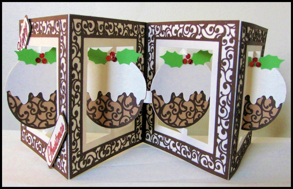 Accordian Card - Christmas Pudding -  FCM Scan n Cut