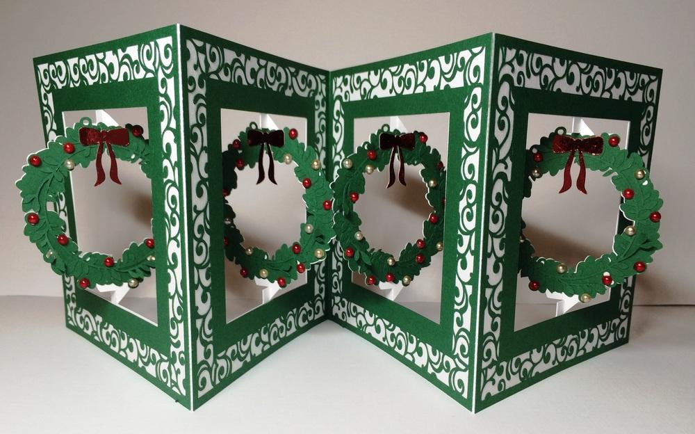 Accordian Card - Christmas Wreath