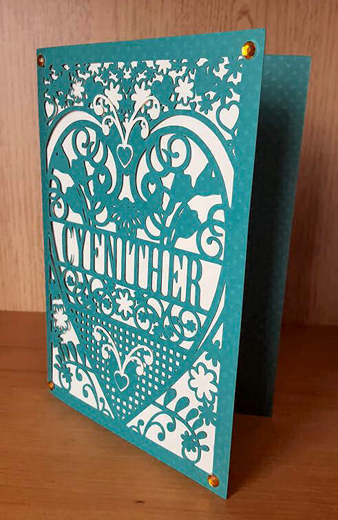 Cousin female Cyfnither Welsh Card (with box)  beautiful cutout design.