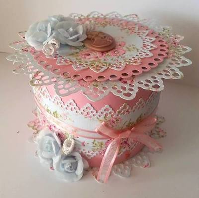 Touch of Romance ROUND BOX  LARGE AND DEEP