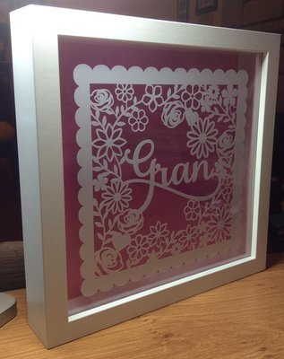Gran  decorative framed scalloped topper ideal for Mother's Day.
