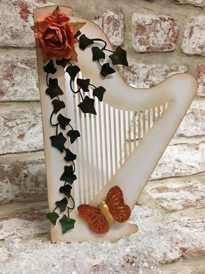 Harp shaped folded card blank and separate card topper studio format