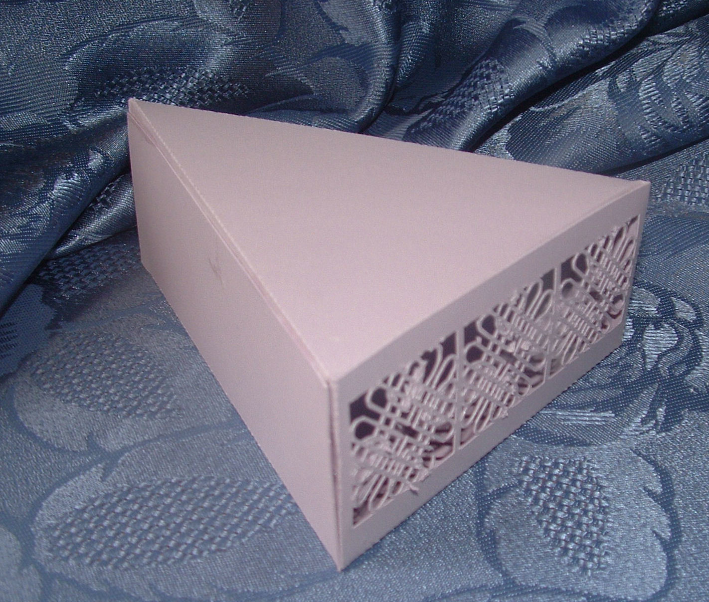 Entwined Hearts Favour Cake box