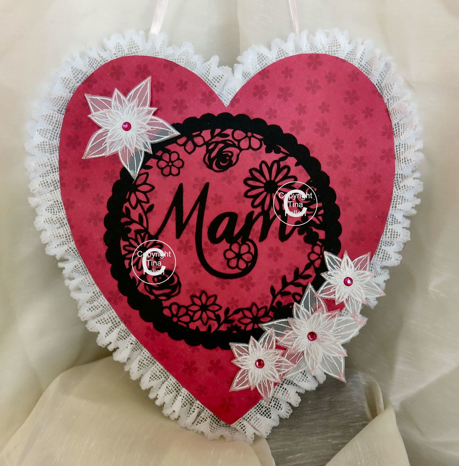 Mam  decorative round framed ideal for Mother's Day.