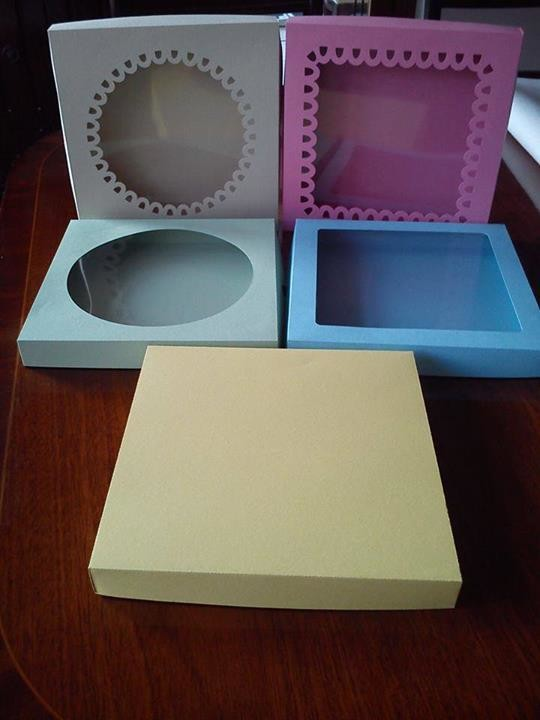 Box with choice of 5 lids pre-sized to 8x8x1