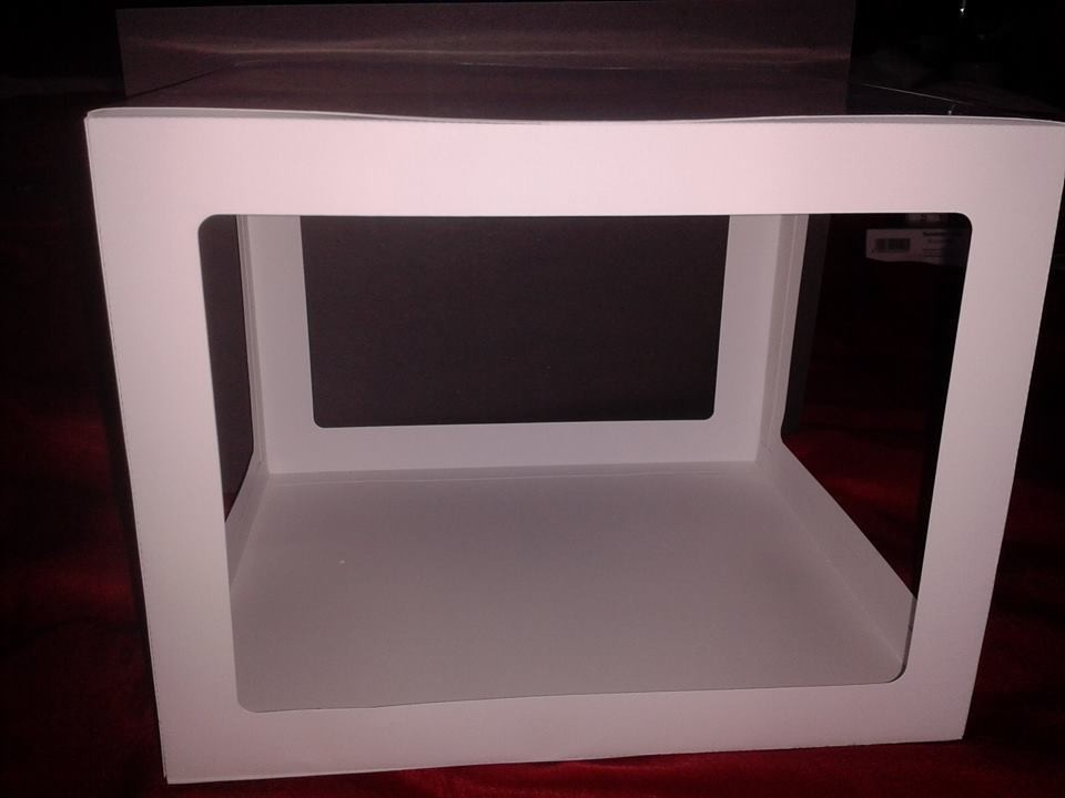 LARGE Box.  Pre-set size is approx 7H x 8W x 9D  inches,  FCM Scan n Cut