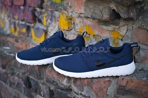 Nike Roshe Run 2501