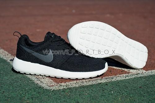 Nike ROSHE RUN 2601