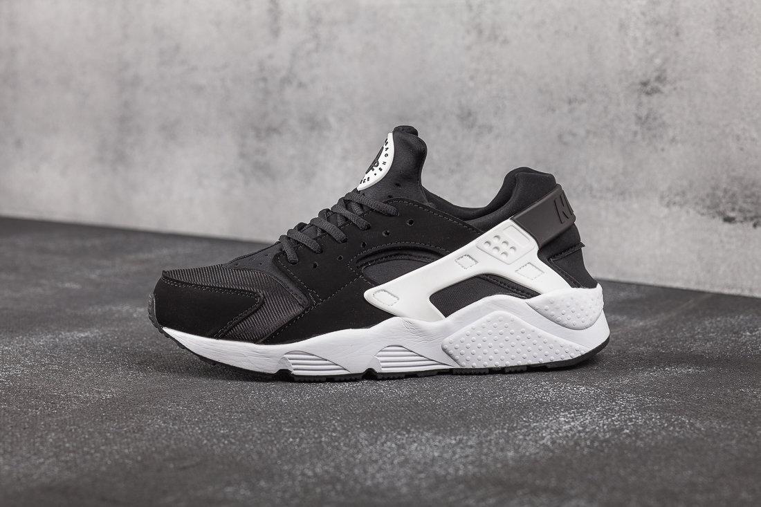 Nike Air Huarache Black White 3341