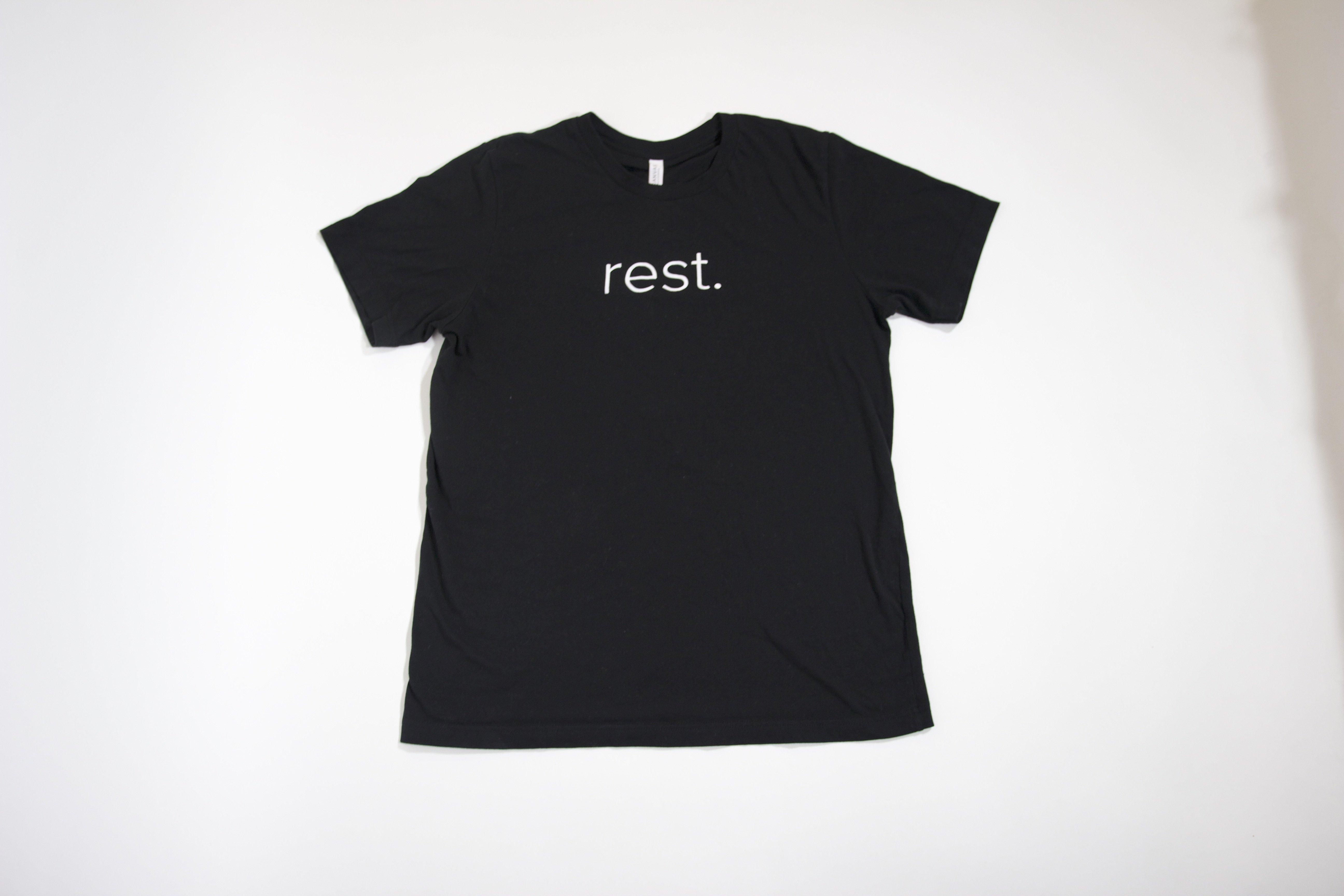 """K + E """"rest."""" T-Shirt 00003"""