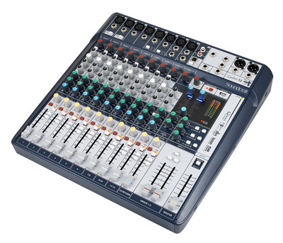 Soundcraft Signature 12 mixer 00817