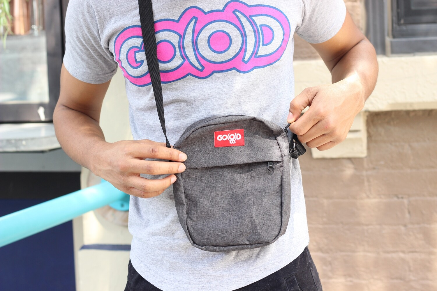 Unisex GO(O)D Contrast Flight Bag-gray