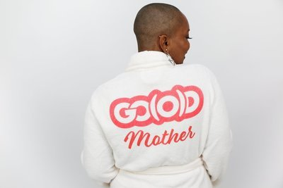 PLUSH GO(O)D Mother Robe-White/Red