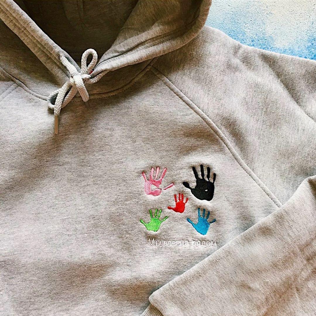 Толстовка с вышивкой по рисункам/отпечаткам (унисекс)
