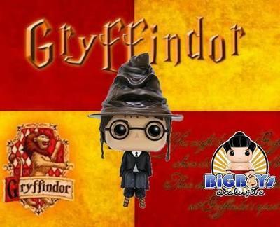 Harry Potter Harry Potter With Sorting Hat Pop! Vinyl Figure Bigboys Exclusive