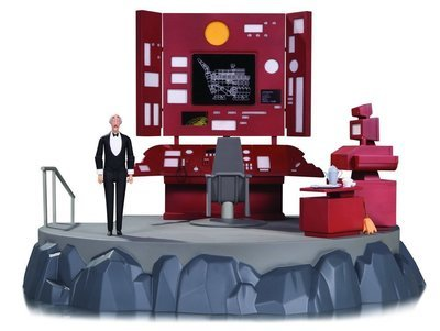 Batman Animated: Batcave with Batcomputer Vignette and Alfred 1/12 Scale Action Figure