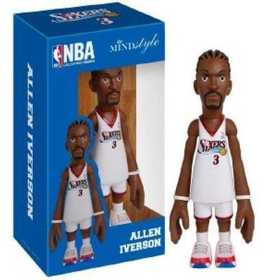 MINDstyle x Coolrain NBA Philadelphia 76ers Allen Iverson Arena Box Figure (White)