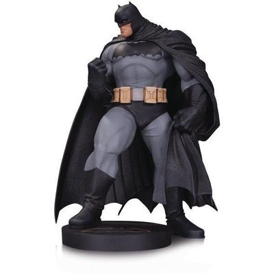 PRE-ORDER DC Designer Series: 1/10 Batman By Andy Kurbert Mini Statue Limited Edition of 5,000 pcs