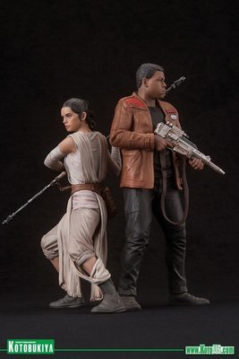 Star Wars The Force Awakens Rey and Finn ArtFX+ Statues