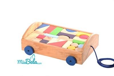Bloques de madera sobre ruedas