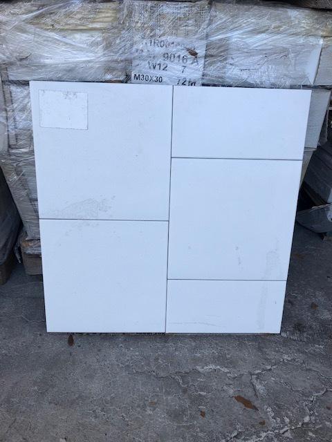 12x12 White Tile 00031
