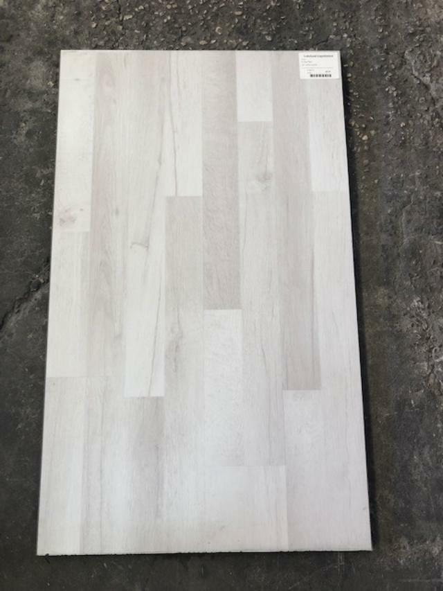 LVP - Artic White 500115