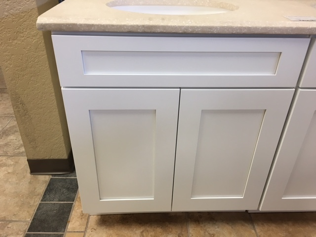 "White Shaker 24"" vanity with 2 doors 750300"
