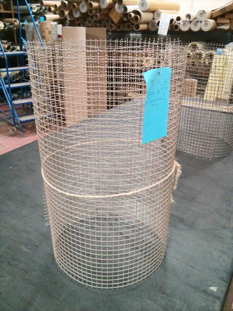 1.52m x 610mm, stainless woven 12.5mm aperture mesh OC33