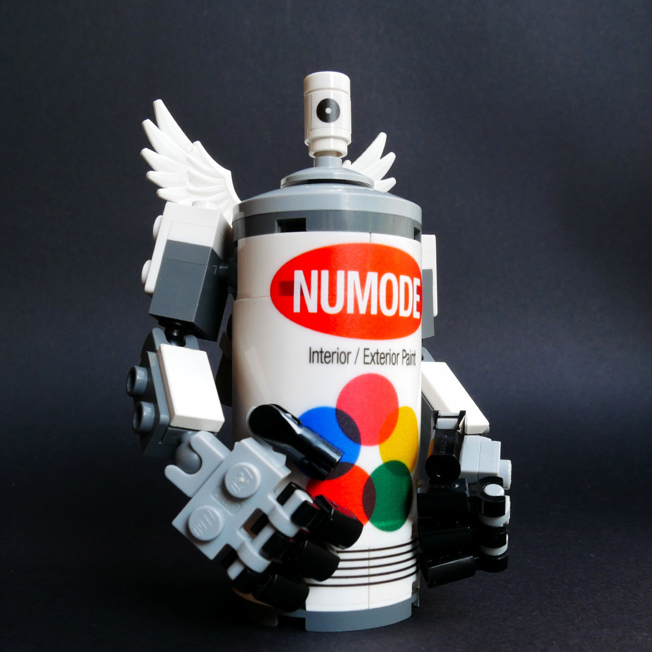 Spray Can Robot 0023