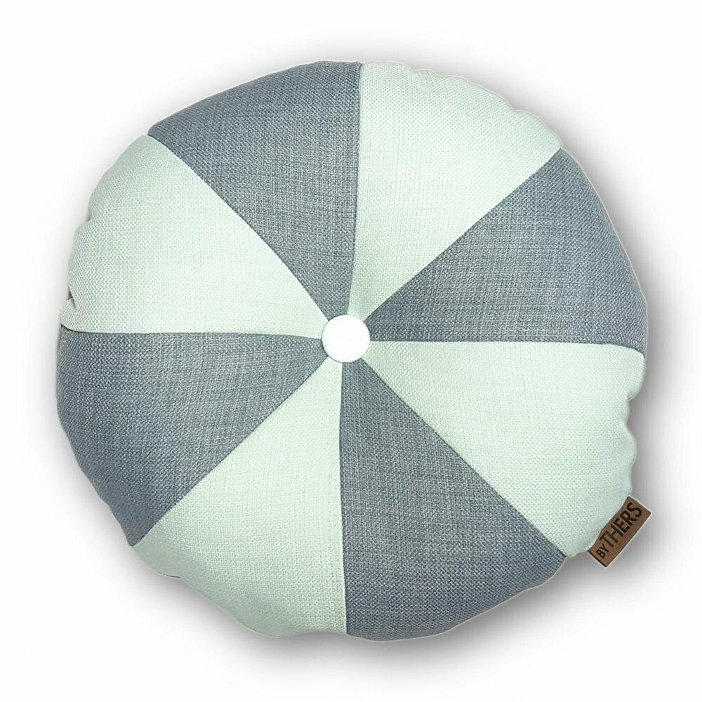 Rund pude med knap, lys grå/lys mint - LAGERSALG