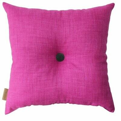 Pink pude med knap