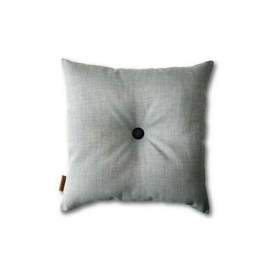 Lys grå mini-pude med knap