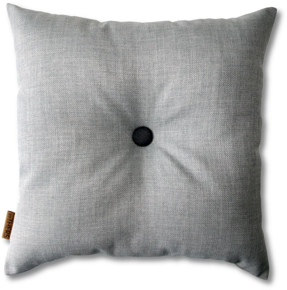 Lys grå pude med knap 1115