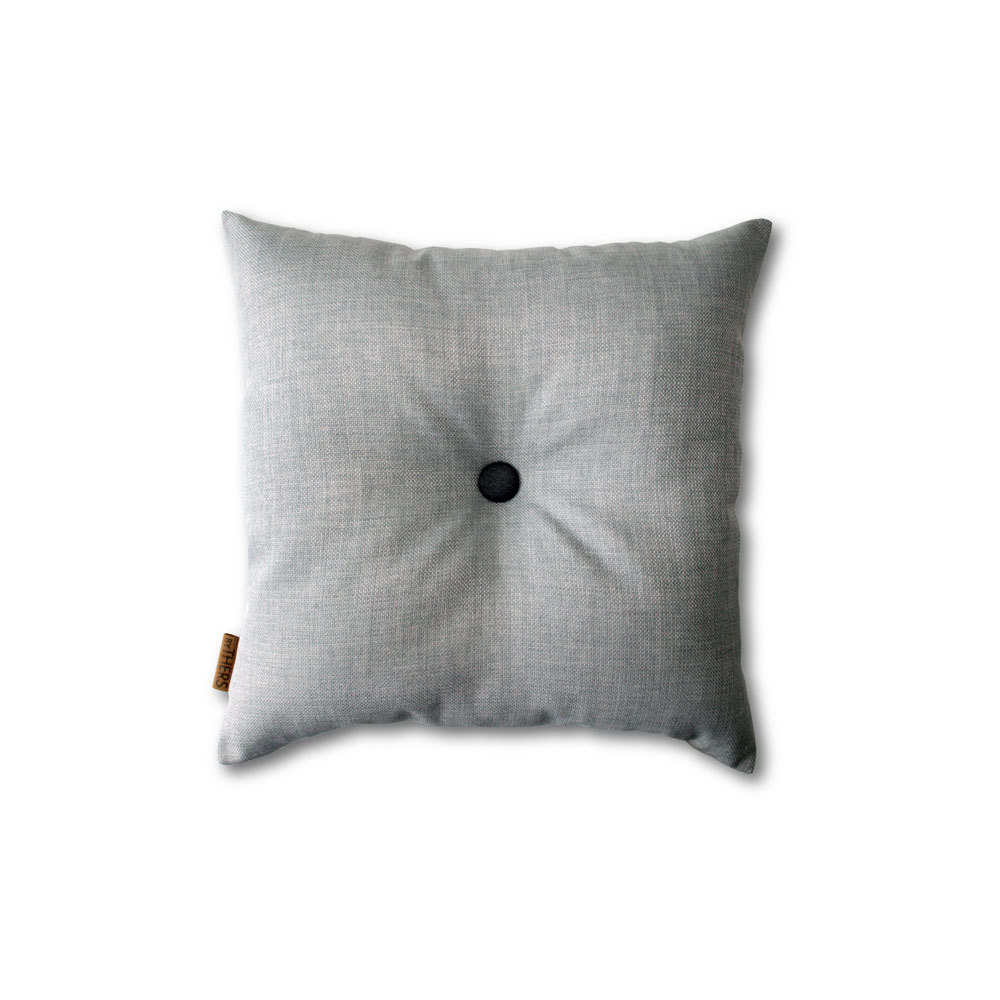 Lys grå mini-pude med knap 1615