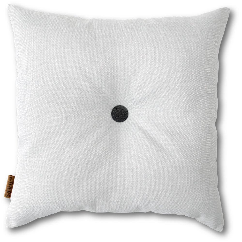 Hvid pude med knap 1117