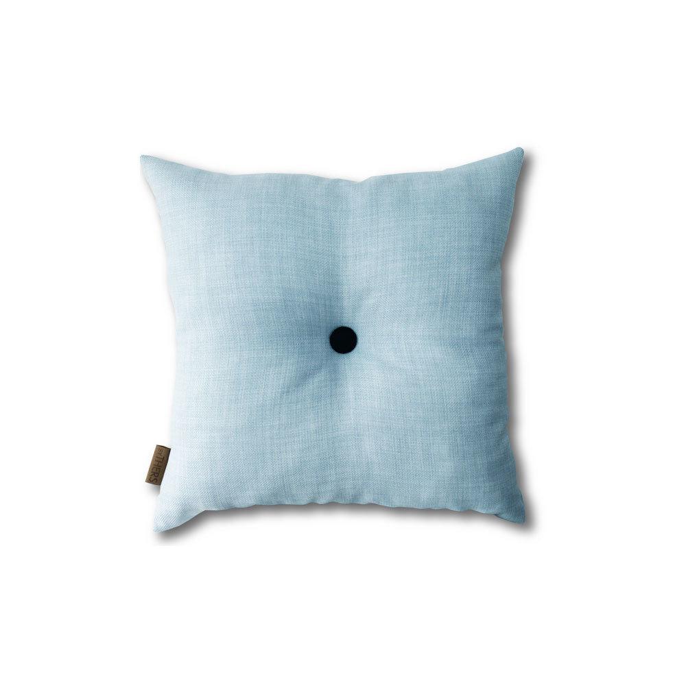 Lys blå mini-pude med knap 1613