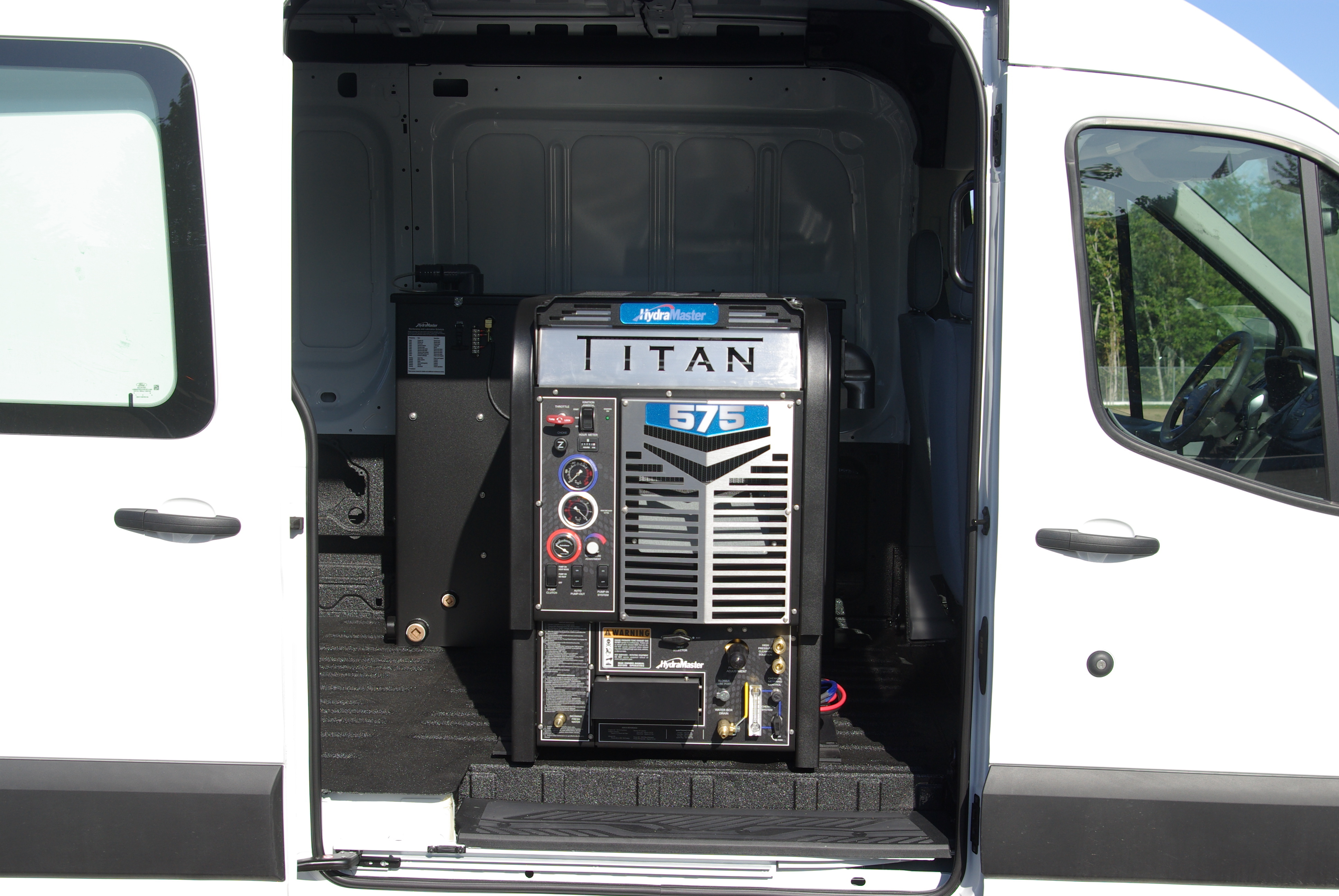 HydraMaster Titan 575 Truckmount w/100 Gal. Tank