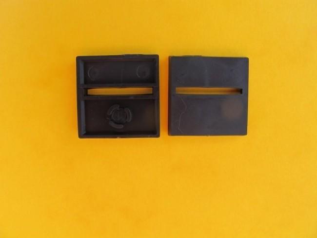 25mm x 25mm Bases diagonal geschlitzt (10)
