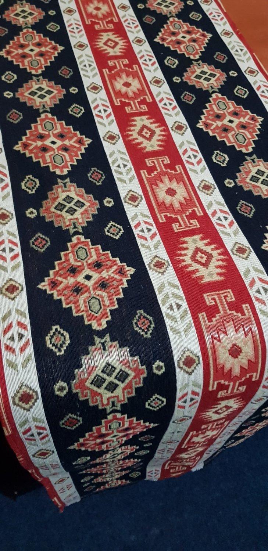 Napron motiv rustic rosu si albastru